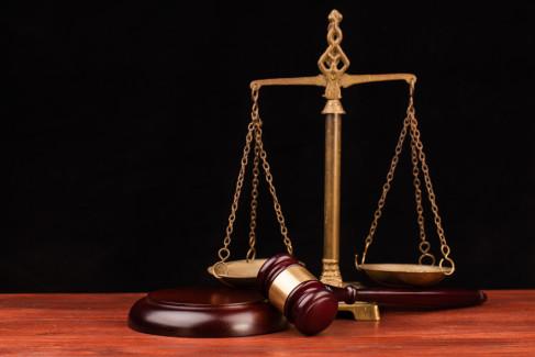 Waga jako metafora apelacji w sądzie